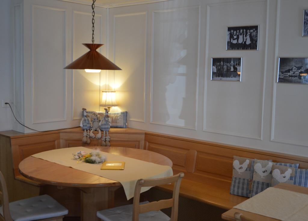 Wunderbar Mit Seinen 153 M2 Bietet Unser Saal Sitzplätze Für Bis Zu 90 Personen Und  Ist Bestens Geeignet Für Bankette. Bankett